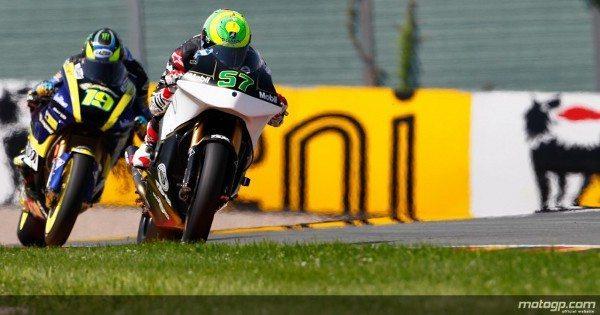 O estreante brasileiro de Moto2™ teve um primeiro contacto difícil com a pista de Sachsenring, com o tempo instável a dificultar a vida ao piloto da JiR Moto2.