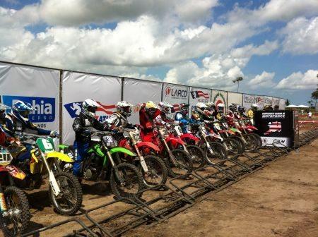 Gate de largada no Baiano de Motocross