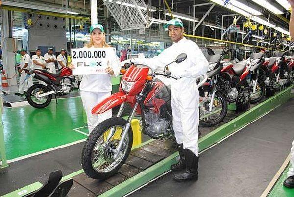 Honda atinge o número 2 milhões de motos flex produzidas em tres anos