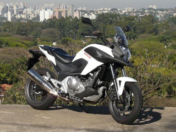 Honda NC700X Versatilidade e conveniencia no uso diário