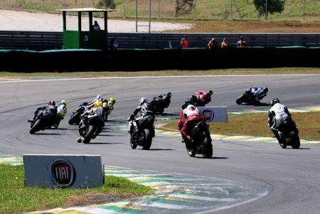 Racing Festival R1 GP1000 ontem em Interlagos