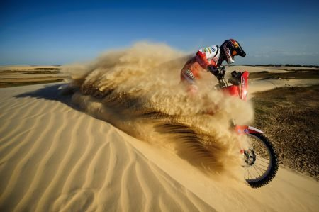 Felipe Zanol treinando nas areias maranhenses
