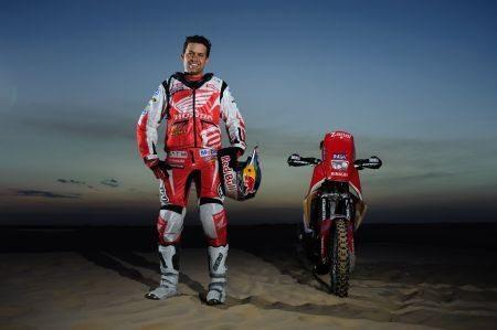Felipe Zanol faz os últimos preparativos para a largada de amanhã