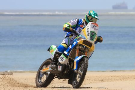 Jean Azevedo. primeiro entre as motos no prólogo do Sertões