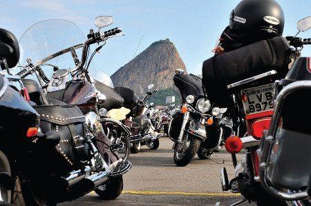 Área de estacionamento exclusiva para proprietários de Harley-Davidson
