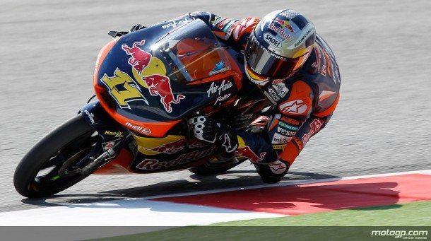 Sandro Cortese, da Red Bull KTM Ajo, foi o grande vencedor da muito emocionante corrida de Moto3™ do Grande Prémio Aperol de São Marino e da Riviera de Rimini deste domingo, batendo Luis Salom e Romano Fenati.
