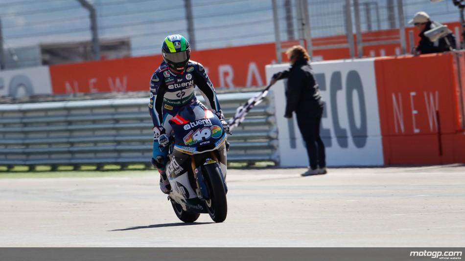 Pol Espargaró, da Pons 40 HP Tuenti, assinou brilhante vitória na emocionante corrida de Moto2™ do Grande Prémio Iveco de Aragão, à frente de Marc Márquez e Scott Redding.