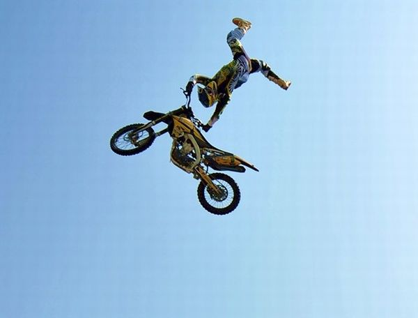 Fred Kirillos assume a liderança no Brasileiro de Freestyle Motocross