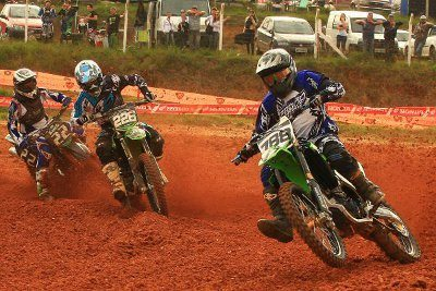 Cross Country Paulo Stedile na frente