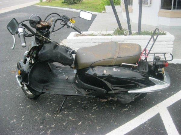 """Mesmo em um país rico como os EUA, onde se compra motos usadas a """"preço de banana"""", é possível encontrar uma """"coisa"""" igual a essa"""