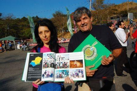 Adhemar e sua esposa Mônica; história viva dos 30 anos do Independência