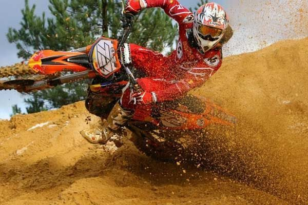 Federação Gaúcha de Motociclismo promove curso de motocross