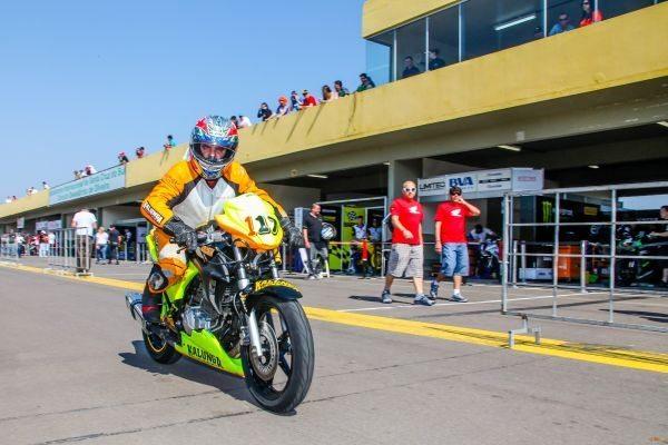 Gaúcho de motovelocidade em Santa Cruz do Sul (RS)
