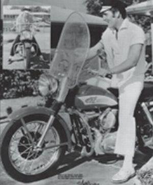 Elvis Preley, como bom americano, também tinha a sua Harley