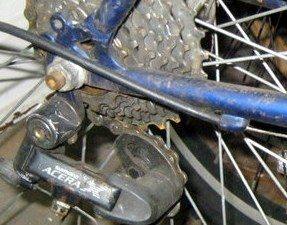 uma boa limpeza e lubrificação e não é preciso fazer a troca das peças