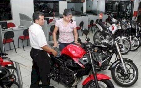 Com a crise no setor motociclístico o governo foi obrigado a lançar medidas que facilitam os crédito para compra de motos pequenas