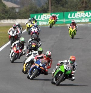 Disputas acirradas na categoria GP Light do Moto 1000 GP