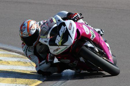 O argentino Diego Pierluigi conquista a pole position na categoria 1000cc