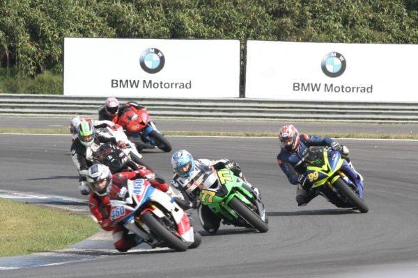 Cada vez mais o Moto 1000 GP vem despertando o interesse de pilotos de países vizinhos