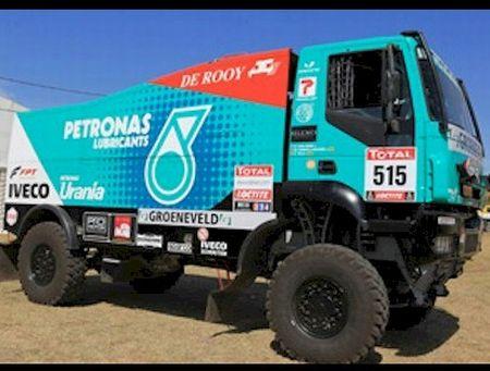 Essa é a máquina de Pep Vila; pesa 10t, tem 900 hp e chega a 205 km/h