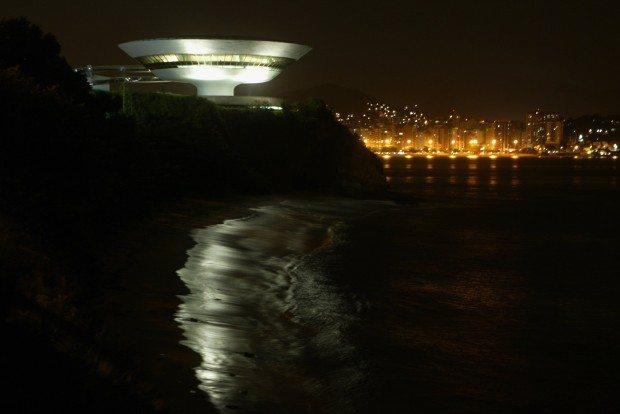 O Museu de Arte Contemporânea de Niterói (Foto de Custódio Coimbra)