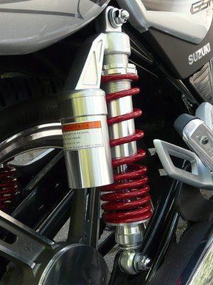 Amortecedor assistido a gás: item que deveria ser copiado para outras motos pequenas