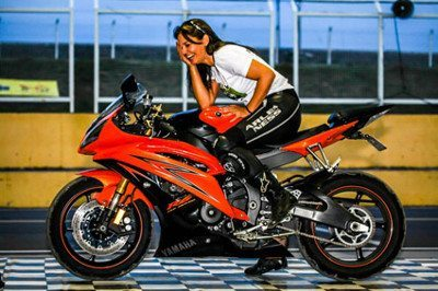O encanto feminino está presenta no motociclismo brasileiro