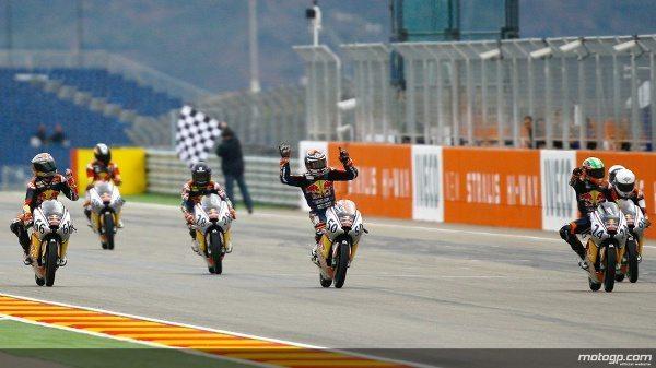 Florian Alt foi o centro das atenções deste sábado no Grande Prémio Iveco de Aragão ao vencer o título da Red Bull MotoGP Rookies Cup de 2012.