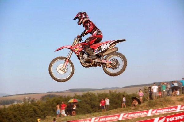 Fábio dos Santos no Interestadual de Motocross - Quem disse que para voar precisa ter asas?
