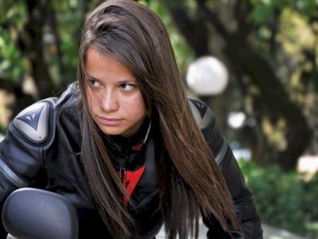Sabrina Paiuta, 18 anos, nome que desponta na motovelocidade nacional
