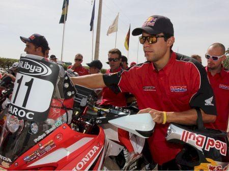 Felipe Zanol passa pelas verificações administrativa e técnica do Rally do Marrocos