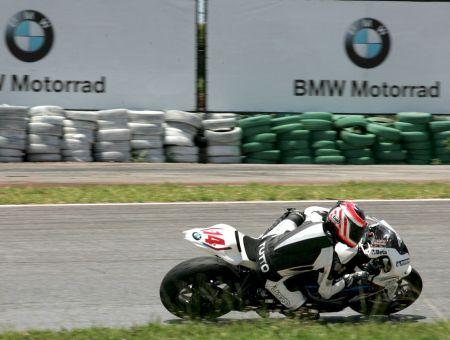 Lucas Barros conquistou no último treino do dia a volta mais rápida da GP Light em Brasília