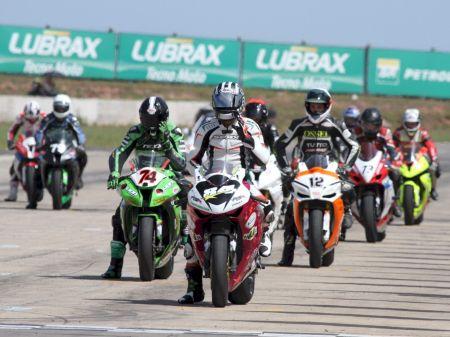 A rodada dupla do Moto 1000 GP contemplará torcedor com uma moto 0 km e vários outros brindes