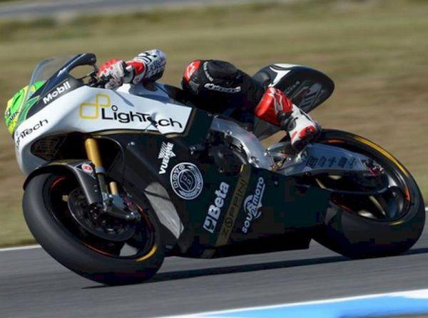O jovem Eric Granado busca evolução na moto2