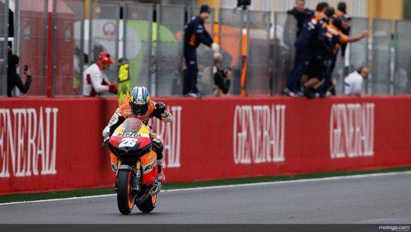 Dani Pedrosa, da Repsol Honda Team, venceu a última corrida da época do MotoGP™, o Grande Prémio Generali da Comunidade Valenciana, uma prova marcada por vários acidentes e condições complicadas. Nas restantes posições do pódio ficaram Katsuyuki Nakasuga e Casey Stoner.