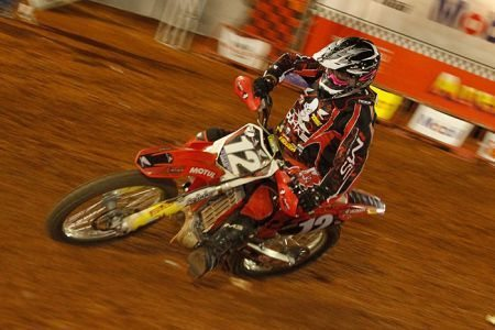 Endrews Armstrong é piloto Dunas Team no Arena Cross