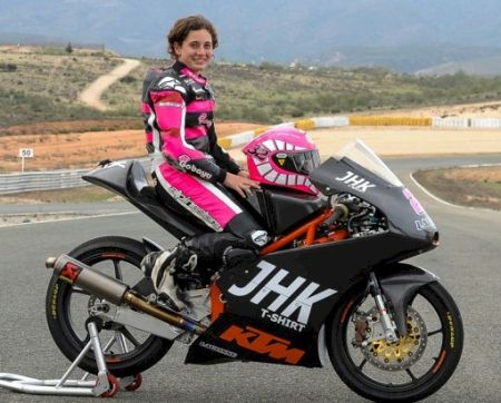 Ana Carrasco é a primeira mulher na Moto3™