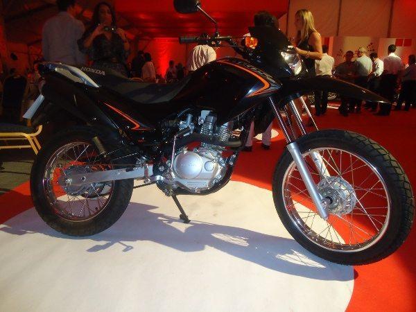 Bros 125 - Uma nova opção de moto de entrada, uma pequena trail