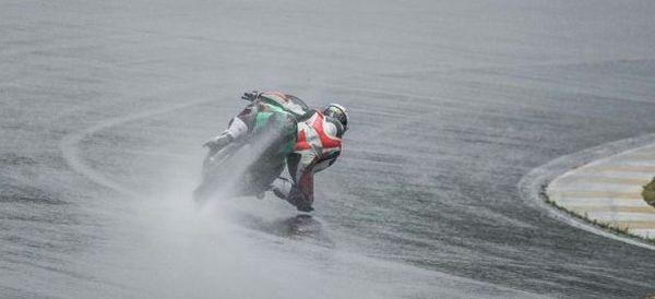 Pilotar na chuva exige cuidado redobrado