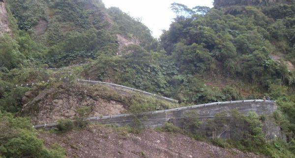 Serra do Corvo Branco, estrada construida apenas com trabalho braçal