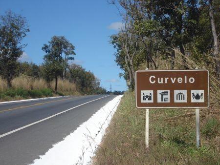 A cidade de Curvelo está localizada no centro do estado, a 160 km da capital Belo Horizonte