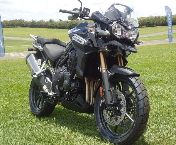 Tiger Explorer - A moto de aventura com três cilindros que é ao mesmo tempo potente e compacta