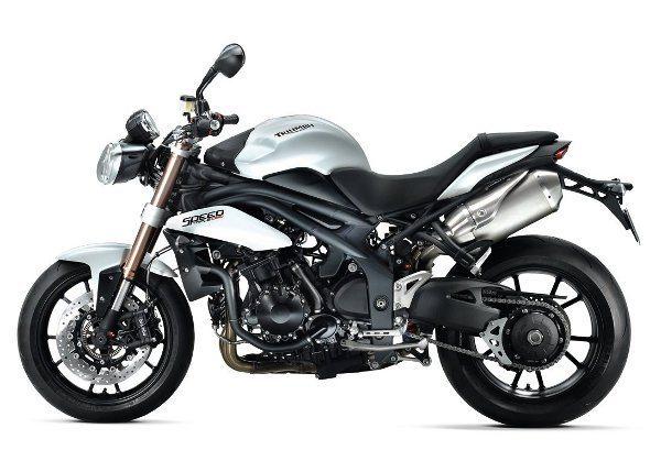 Triumph Speed Triple - Características de moto esportiva numa naked
