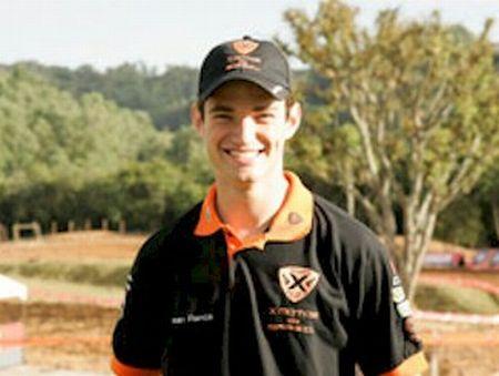 O paranaense Jean Ramos acaba de renovar contrato com a X Motos para a temporada 2013
