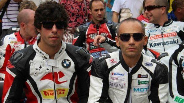 Paschoalin entre outros pilotos das corridas de rua: coragem, determinação e prudência