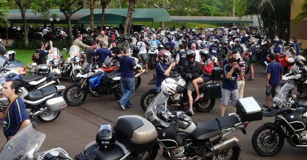 Saída para um passeio: cuidado para não pegar a moto errada