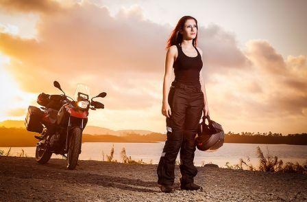 Lisiane Pletiskaitz, 29 anos, doze deles como motociclista decidiu que precisava fazer algo diferente. Foto: Tunachara Morelli
