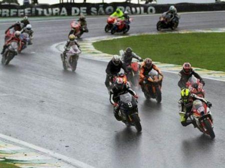 Flagrante das 500 Milhas Brasil de Motovelocidade de 2012