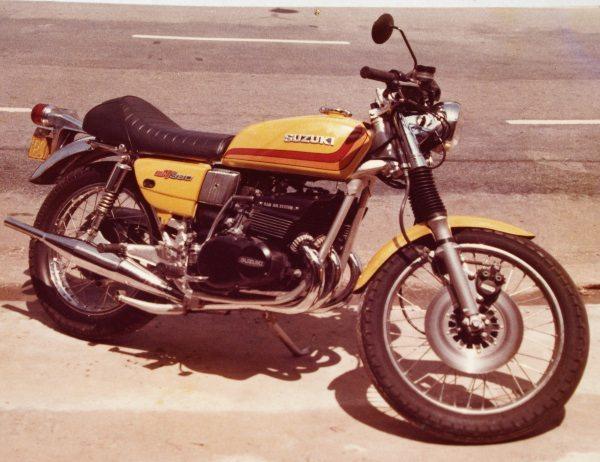 Suzuki 380 de 1973 feita Japs-cafe racer - Bitenca