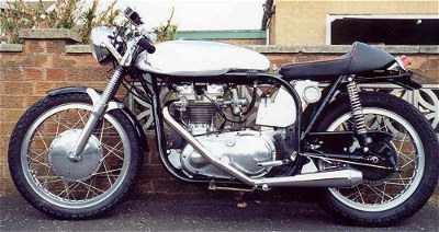 TriTon era a combinação de Triumph e Norton, onde se juntava componentes de uma e de outra moto inglesa